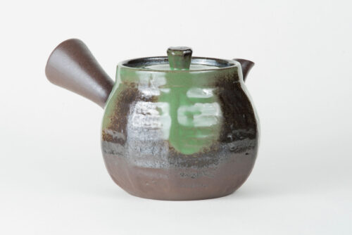 green tea pot sencha fukamushi
